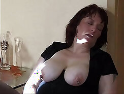 Ashton young charming mom wont stop squirting