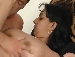 Aunt loves her beauty to flow with sex
