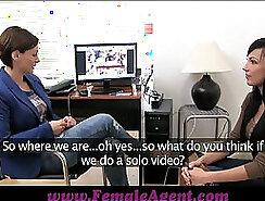 Caught another model twerking on webcam