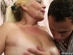 Blonde that loves her cock is grinding on another dik zigz
