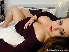 babe with amazing big tits on cam