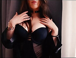 Close up solo masturbation using fake tits